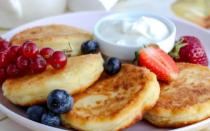 Сырники с творогом на сковороде – рецепт пошаговый с фото