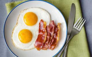 Яичница с беконом и сыром – рецепт пошаговый с фото