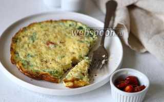 Двойной омлет с помидорами, зеленью и сыром – рецепт пошаговый с фото