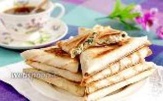 Конвертик из лаваша с сыром и колбасой на сковороде – рецепт пошаговый с фото