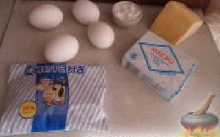 Яичница глазунья со сметанным соусом – рецепт пошаговый с фото