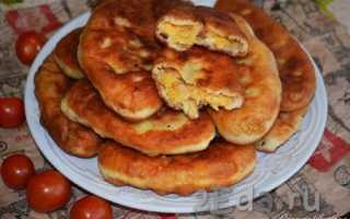 Жареные пирожки с картофельным пюре и луком – рецепт пошаговый с фото