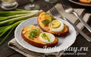 Бутерброд на батоне с икрой мойвы и огурцом – рецепт пошаговый с фото