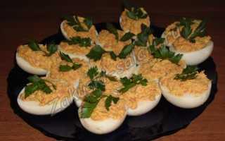 Яйца фаршированные красной рыбой – рецепт пошаговый с фото