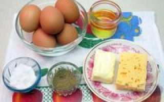 Сырный омлет с паприкой и кунжутом – рецепт пошаговый с фото